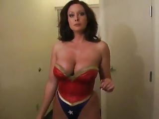 Superheroine Trapped 1
