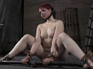 Beauty Acquires Facial Torture During Bdsm Play