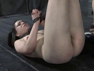 Masked Hotty With Exposed Cunt Receives Thrashing